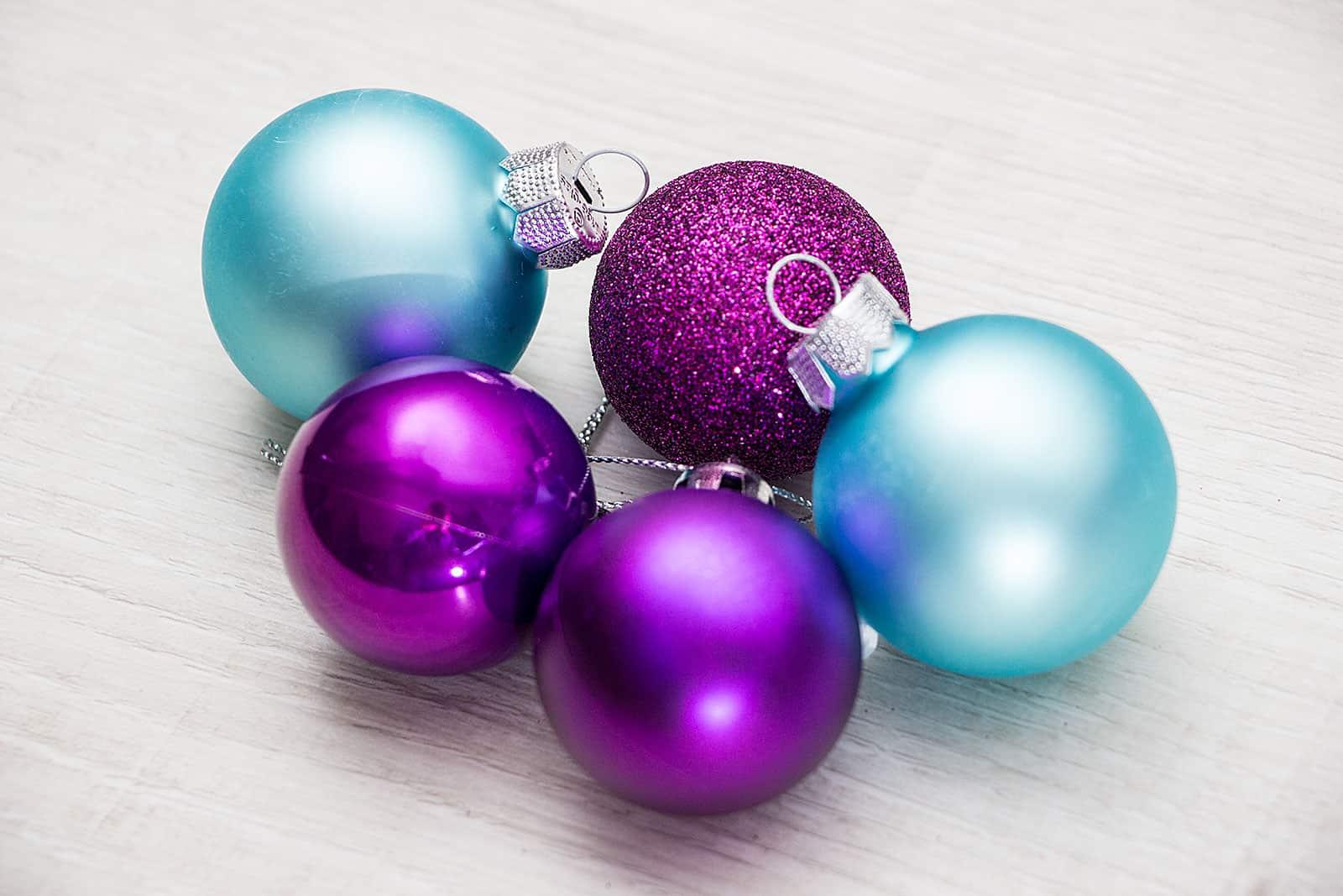Seit Wann Gibt Es Christbaumkugeln.Weihnachtskugeln Lila Geschmackvoller Weihnachtsschmuck
