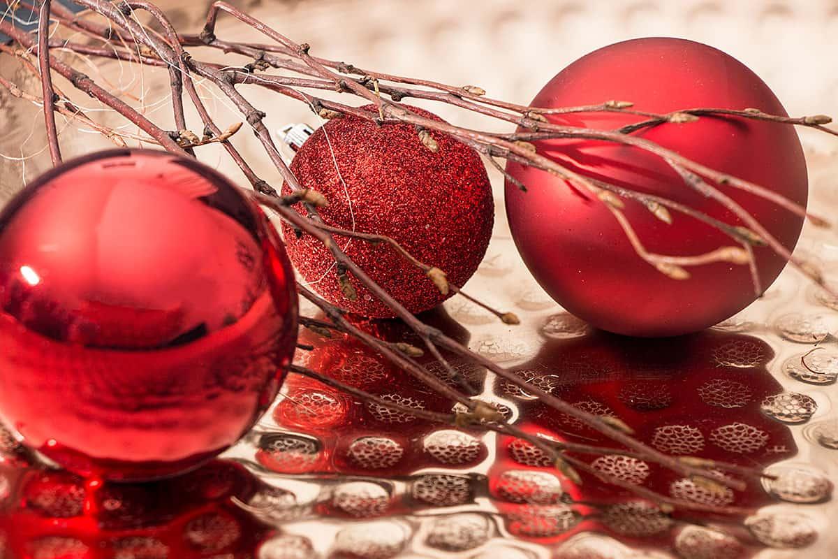 Große Rote Christbaumkugeln.Weihnachtskugeln Rot Christbaumkugeln