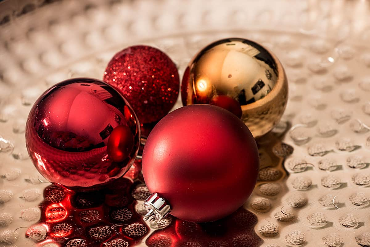 Weihnachtskugeln rot christbaumkugeln for Weihnachtskugeln altrosa