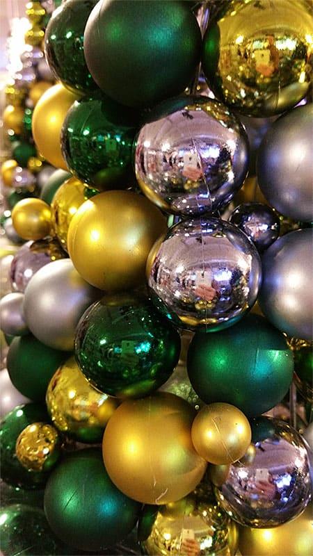 Silberne gr ne und gelbe weihnachtskugeln weihnachtskugeln - Weihnachtskugeln durchsichtig ...
