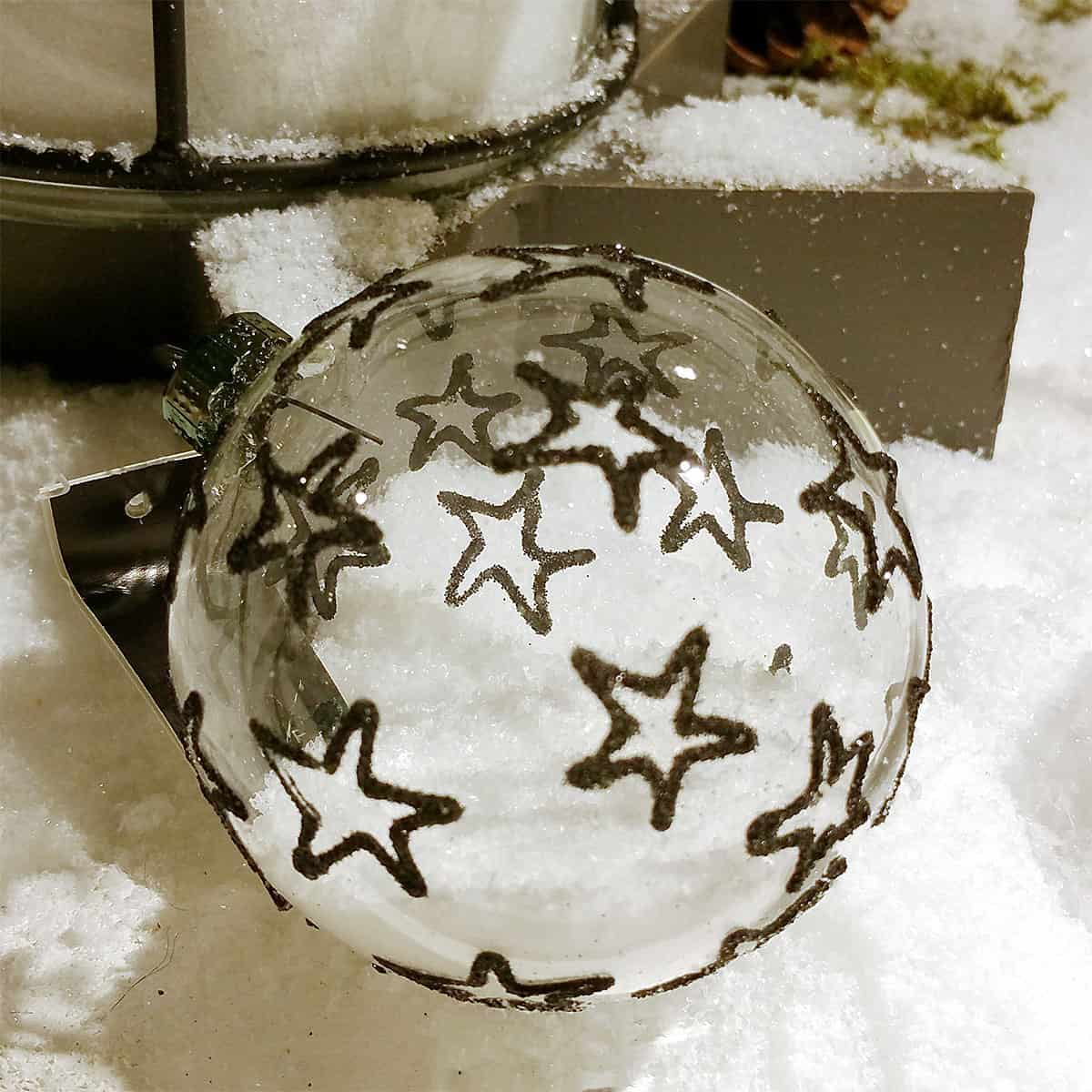 durchsichtige weihnachtskugeln weihnachtsbaum deko. Black Bedroom Furniture Sets. Home Design Ideas