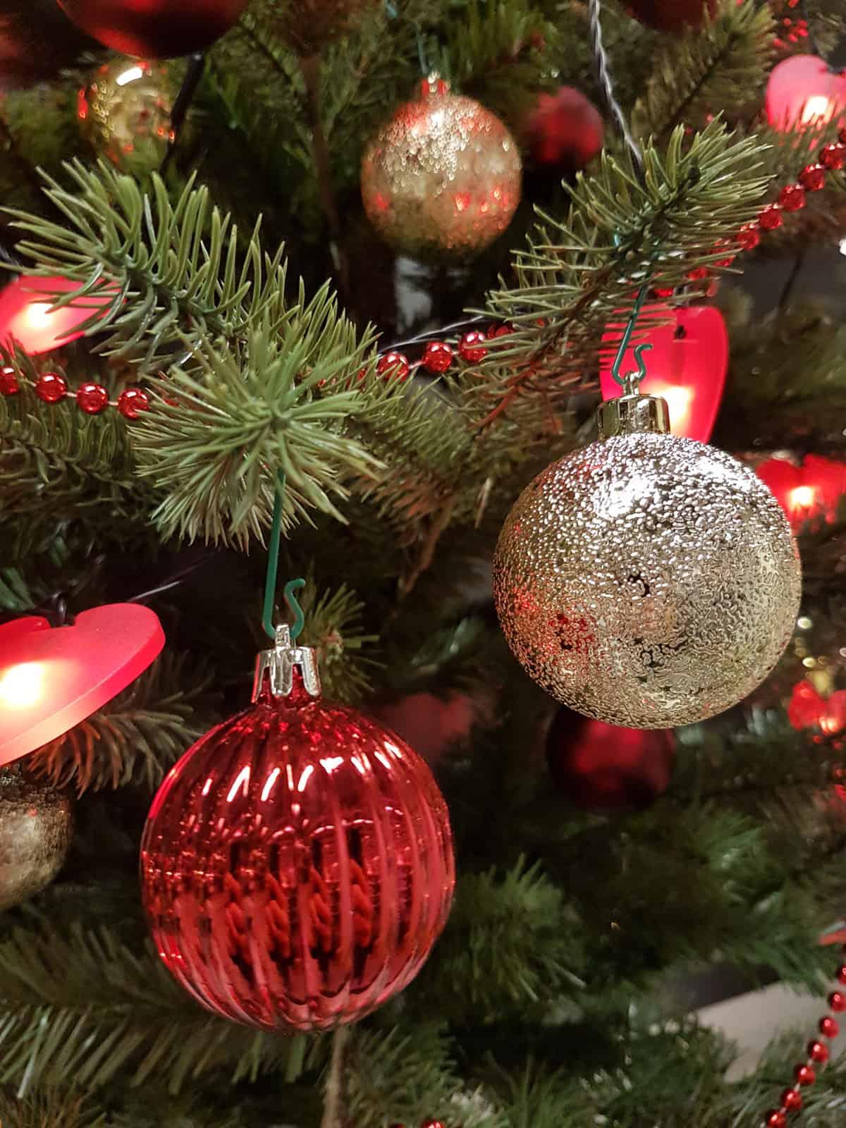 weihnachtsbaumanh nger glocken tannzapfen kugeln und mehr. Black Bedroom Furniture Sets. Home Design Ideas