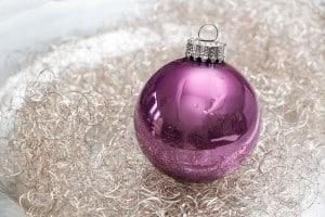 Wunderschöne Violette Weihnachtskugel