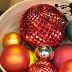 Weihnachtskugeln mit Stacheln