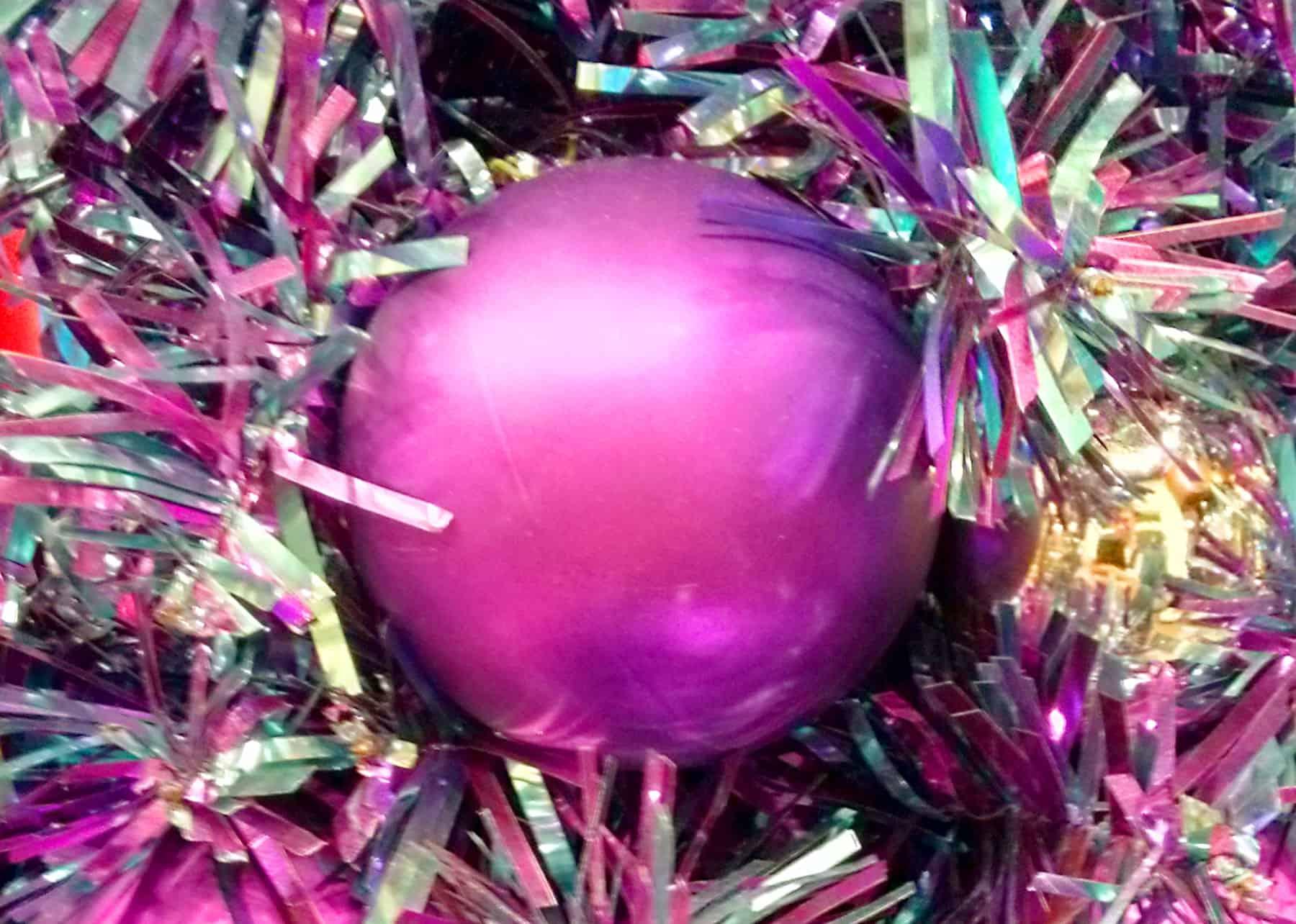 Weihnachtskugeln lila geschmackvoller weihnachtsschmuck - Christbaumkugeln lila ...