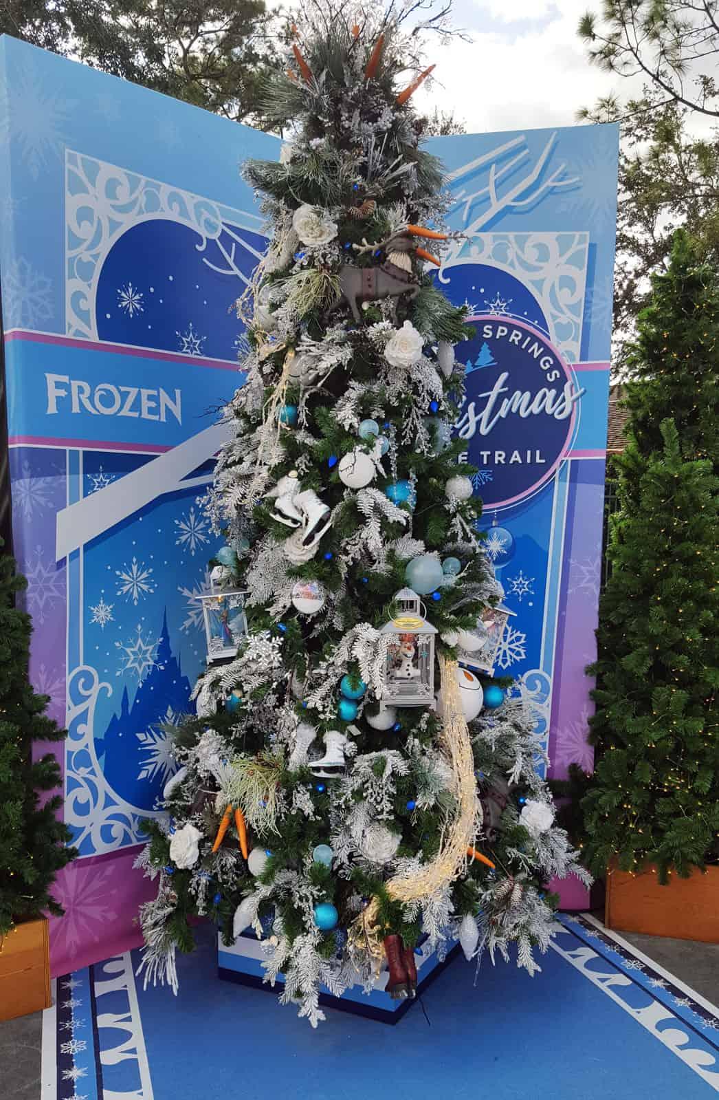 Weihnachtskugeln f r kinder tolle motive und kinder christbaumkugeln - Dekorierter weihnachtsbaum ...