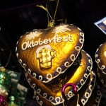 Typisch Bayrisch: Oktoberfest Weihnachtskugeln mit einer Maß