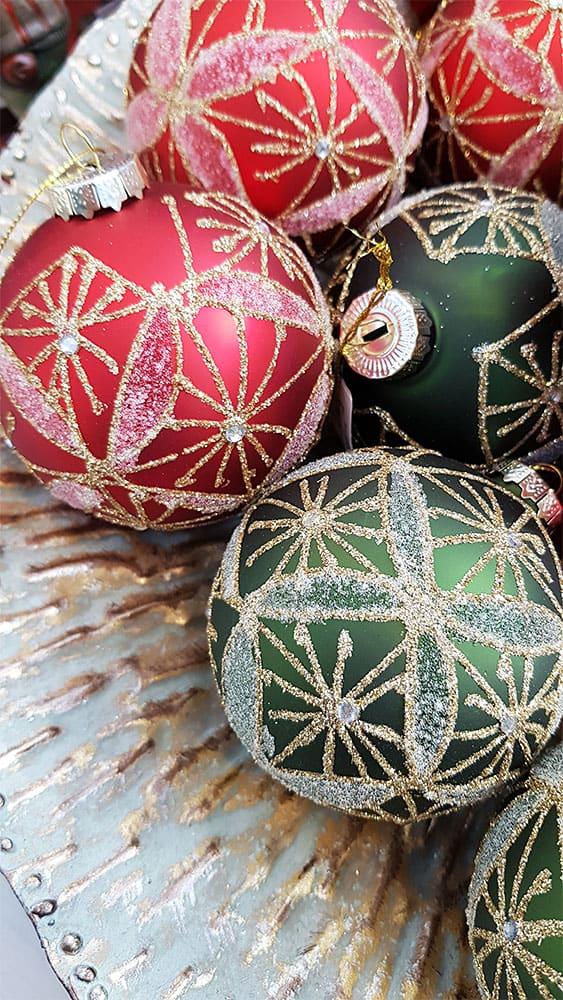 Außergewöhnliche Weihnachtskugeln.Ausgefallene Muster Und Motive Bei Weihnachtskugeln