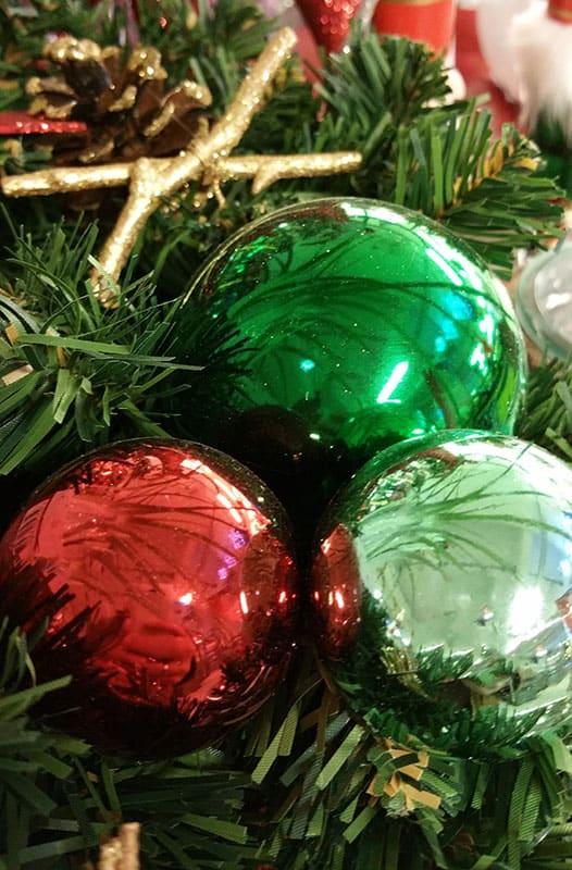 Weihnachtskugeln gr n mintgr n petrol pastellgr n - Weihnachtskugeln pastell ...