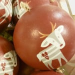 Weihnachtskugel Altrosa mit Rentier Motiv