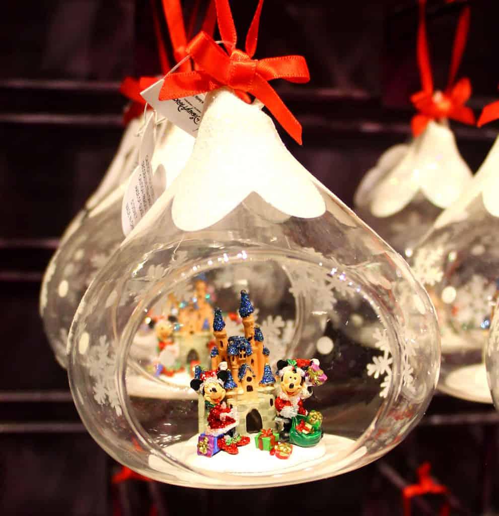 weihnachtskugeln comic baumkugeln mit beliebten comicfiguren. Black Bedroom Furniture Sets. Home Design Ideas