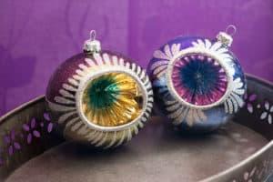 Schöne Weihnachtskugeln im Vintage-Look - perfekt als Deko oder für den Weihnachtsbaum.