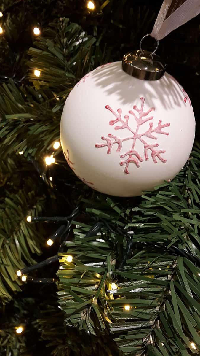 Weihnachtskugeln Weiß.Jetzt Weihnachtskugeln Weiß Entdecken Und Online Bestellen