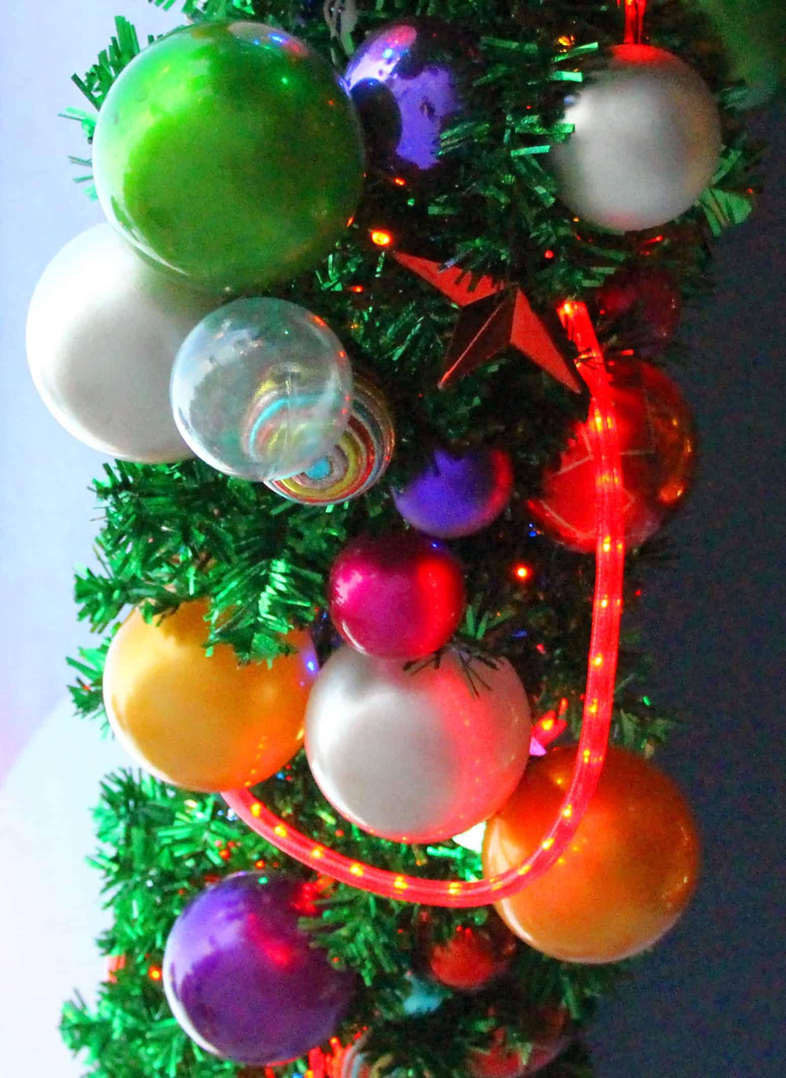 Weiß Christbaumkugeln Kunststoff.Weihnachtskugeln Kunststoff Bunt Christbaumkugeln